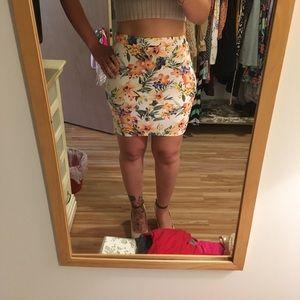 NWT floral mini skirt